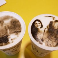 Yulaike Coffee: El lugar donde te retratan mientras esperas tu café