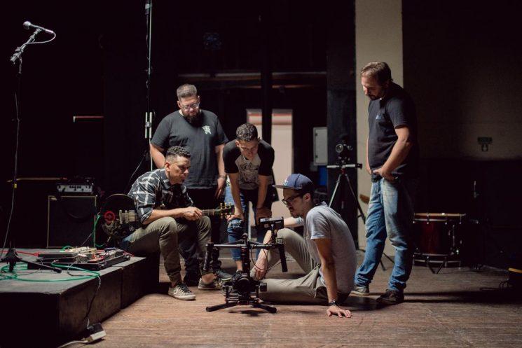 CRUCE presenta nuevo videoclip con un show imperdible